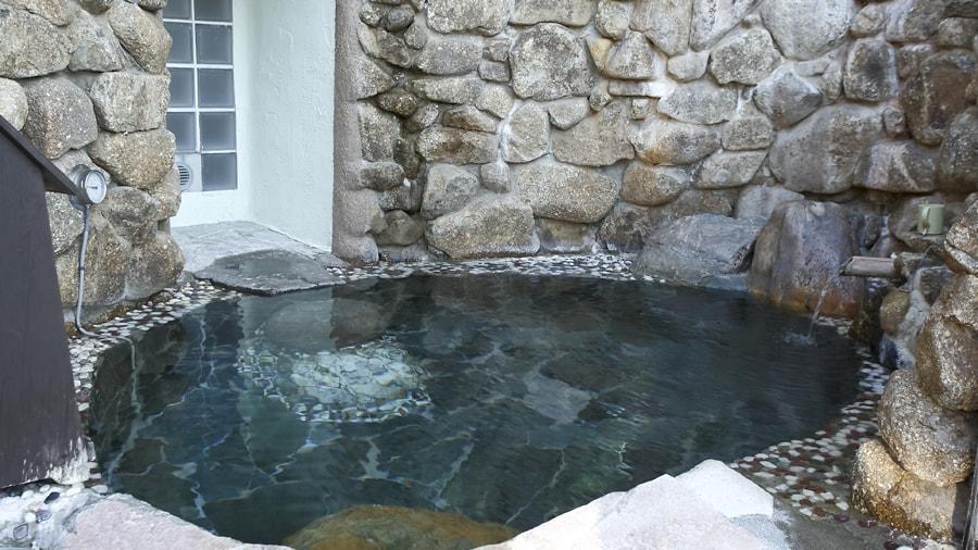 霊峰湧水風呂01