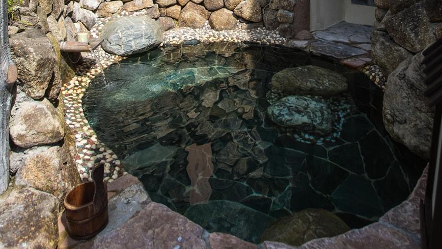 霊峰湧水風呂 スライド2枚目